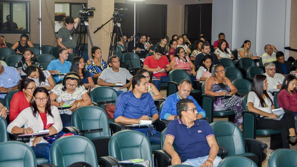Conselheiros tutelares eleitos em Palmas são capacitados para atuarem na defesa dos direitos da criança e do adolescente