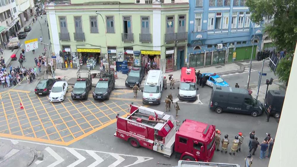 Homem armado faz cinco reféns em um bar da Lapa, no centro do Rio de Janeiro