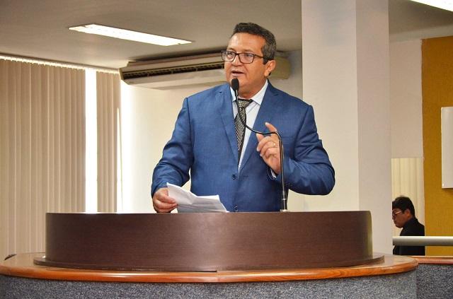 Vereador Irmão Jairo solicita instalação de redutor de velocidade na 307 Norte, em Palmas