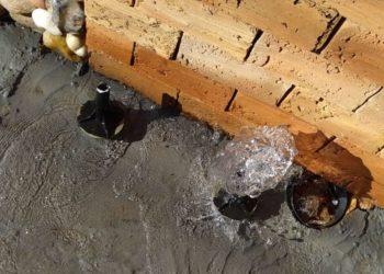Vazamentos de água começaram após ação de vandalismo — Foto: Divulgação/BRK Ambiental